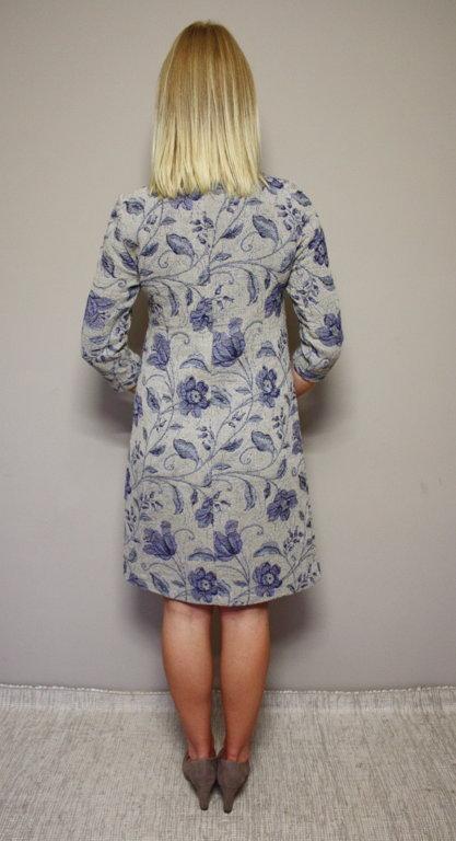 Lina žakarda kleita ar ziliem ziediem
